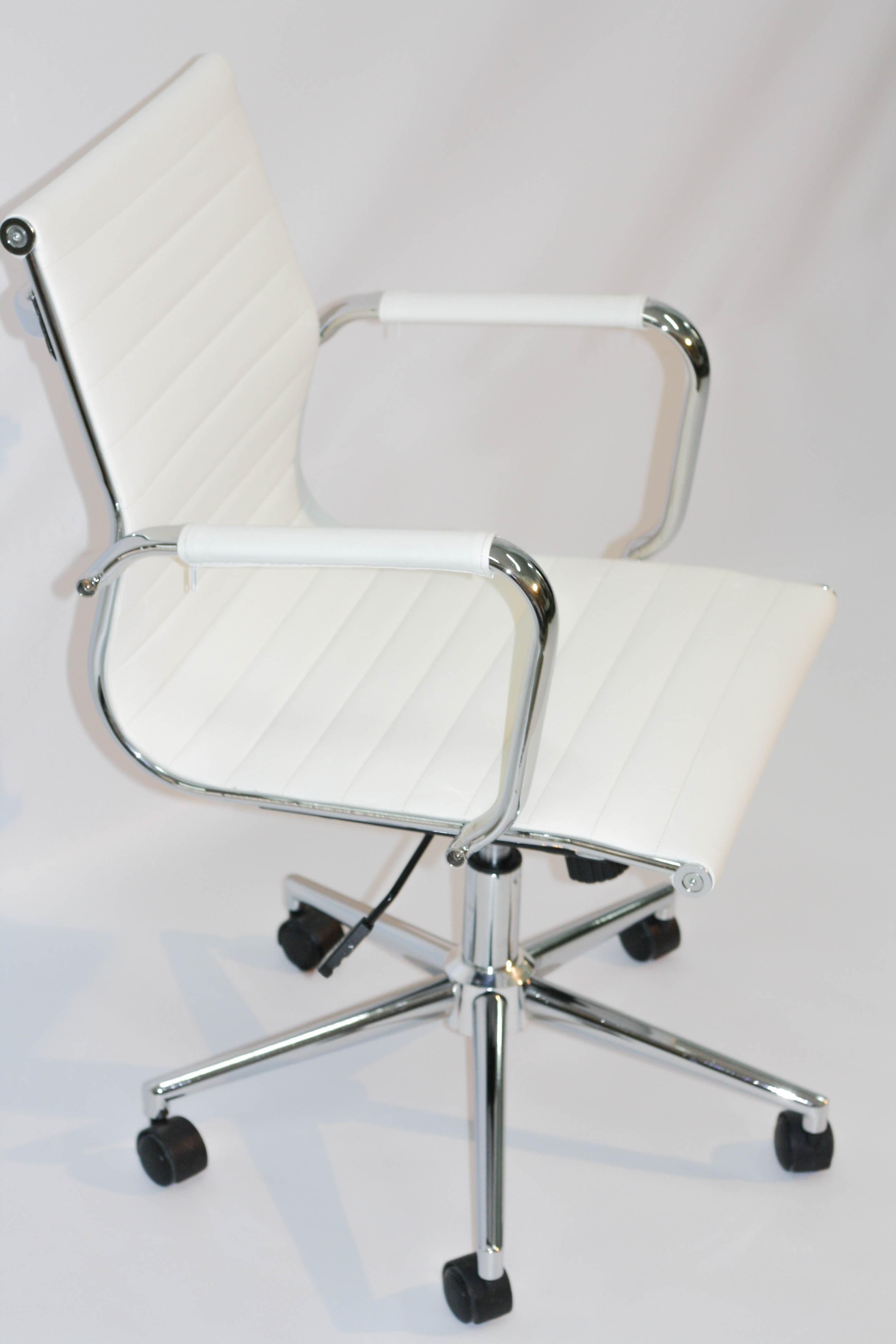 Alquiler mesas y sillas barcelona 49530 mesas ideas for Sillas para ferias